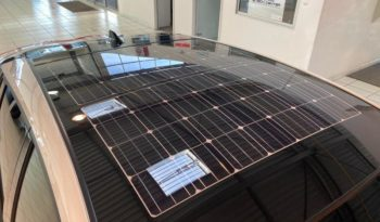 TOYOTA Prius Rechargeable 122h Solar RC18 complet